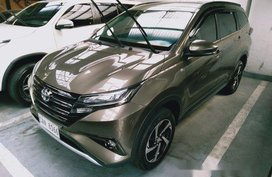 Selling Grey Toyota Rush 2019 Automatic Gasoline