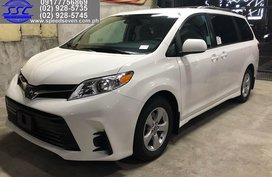 2020 Toyota Sienna LE with PWD Mobility Seat
