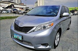 Sell Silver 2010 Toyota Sienna in Pasig