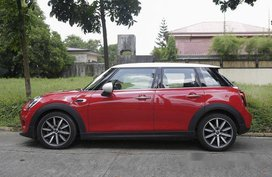 Selling Red Mini Cooper 2019 in Quezon City