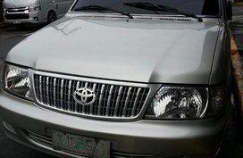 Selling Toyota Revo 2006 in Manila