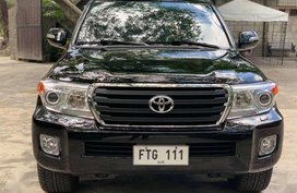 Sell 2010 Toyota Land Cruiser in Valenzuela