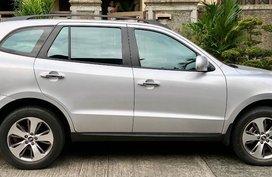 Sell Silver Hyundai Santa Fe in Quezon City