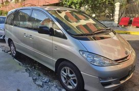 Selling Silver Toyota Previa 2005 in Pasig