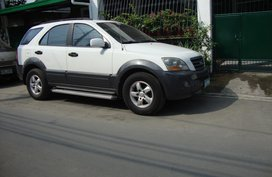 White Kia Sorento 2006 for sale in Las Pinas