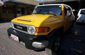 Selling Yellow Toyota Fj Cruiser 2016 in Pasig