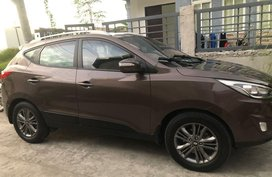 Selling Brown Hyundai Tucson 2014 in Apalit