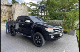 Selling Black Ford Ranger 2014 in Cebu City