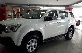 Selling White Isuzu Mu-X 0 in Makati