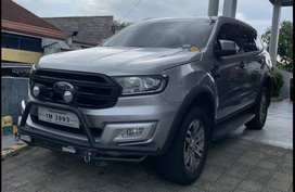 Sell Grayblack 2016 Ford Everest SUV / MPV at  Automatic  in  at 76000 in Calamba