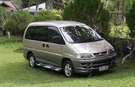 Mitsubishi Spacegear 2004 model