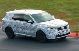Kia to debut new Sorento, another small crossover next month