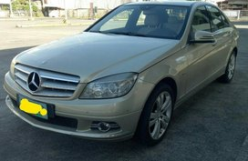 Silver Mercedes-Benz C200 2010 for sale in Automatic