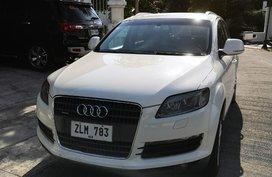 White Audi Q7 2007 for sale in Manila
