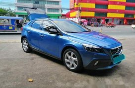 Blue Volvo V40 2016 Automatic for sale
