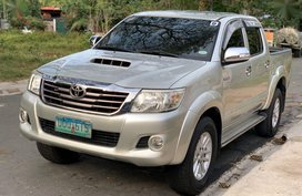 Selling Pearlwhite Toyota Hilux 2013 in Meycauayan