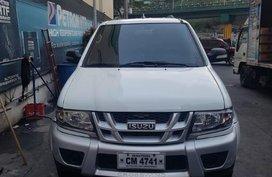 Sell White 2015 Isuzu Crosswind in Quezon City