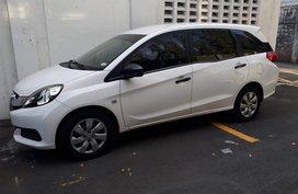 White Honda Mobilio 2015 for sale in Manual