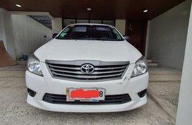 White Toyota Innova 2015 for sale in Manual