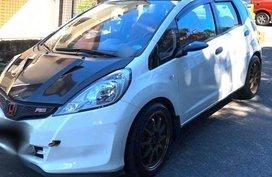 White Honda Jazz 2013 for sale in Pateros