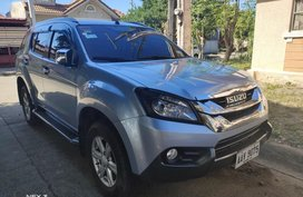 Selling Purple Isuzu Mu-X 2015 in Manila