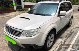 White Subaru Forester 2010 for sale in Quezon City