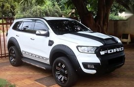 Selling White Ford Everest 2015 in Muntinlupa