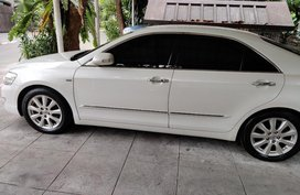 Selling Pearl White Toyota Camry 2007 in Manila