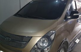 Sell 2010 Hyundai Starex in Pasig