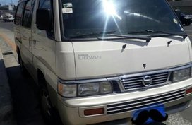 Selling White Nissan Urvan 2013 in Quezon City
