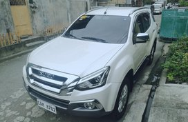 2018 Isuzu MuX 3.0 4x2 OWNER SELLER Pearl White not 2017 2019