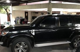 Selling Black Ford Everest 2012 at 87000 km