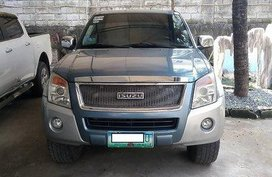 Selling Blue Isuzu D-Max 2010 Manual Diesel