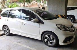 Pearl White Honda Mobilio 2015 for sale in Automatic