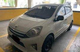 White Toyota Wigo 2016 at 45000 km for sale