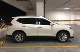 Selling White Nissan X-Trail 2016 Automatic Gasoline