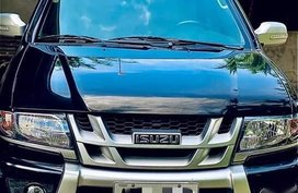 Black Isuzu Crosswind 2015 for sale in Naic