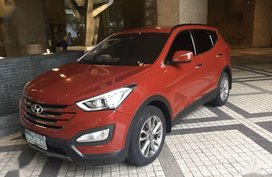 Selling Red Hyundai Santa Fe 2013 in Makati