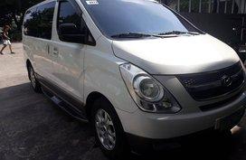 Selling White Hyundai Starex 2010 in Angeles