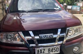 Red Isuzu Crosswind 2014 for sale in Talisay