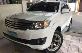 Sell White 2012 Toyota Fortuner in Pilar