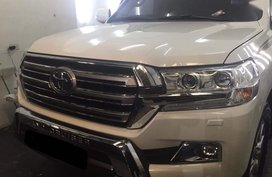White Toyota Land Cruiser 2020 for sale in Automatic