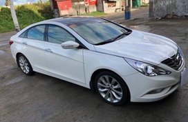 Sell Pearl White 2013 Hyundai Sonata in Makati