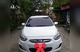 White Hyundai Accent 2011 for sale in Manual