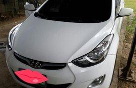 Selling White Hyundai Elantra 2014 in Quezon City