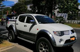 Sell White 2008 Mitsubishi Strada in Manila