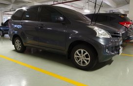 Selling Black Toyota Avanza 2014 in Pasay