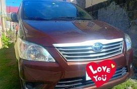 Brown Toyota Innova 2014 for sale in Manual
