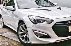 Sell White 2014 Hyundai Genesis Coupe Coupe / Roadster in Manila