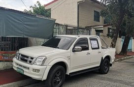White Isuzu D-Max 2006 for sale in Automatic